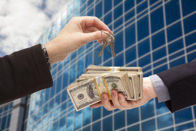 2013 rămâne un an bun pentru cei care au bani cash. Care sunt segmentele cele mai profitabile din imobiliare?