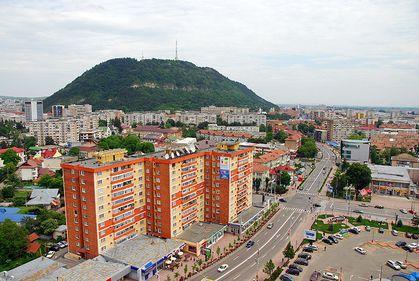 Preţuri fabuloase în Piatra Neamţ: 1.000 euro/mp pentru un teren ultracentral