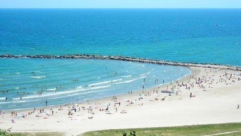 Primăria din Mangalia va amenaja o plajă pentru locuitorii orașului