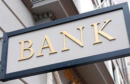 Mai multe bănci sunt un pericol iminent pentru siguranța românilor, avertizează premierul României