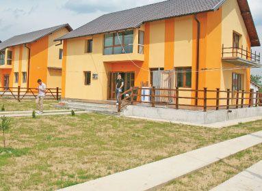 Case la periferie la preţ de apartamente la oraş
