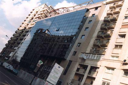 MedLife a închiriat fostul sediul Rompetrol din Victoriei pentru circa 680.000 euro/an