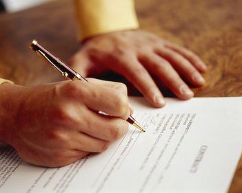 Se înăspresc regulile pentru agenţii imobiliari