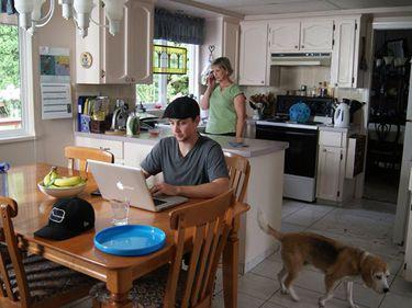 Sectorul rezidenţial, afectat de preferinţa tinerilor de a locui cu părinţii