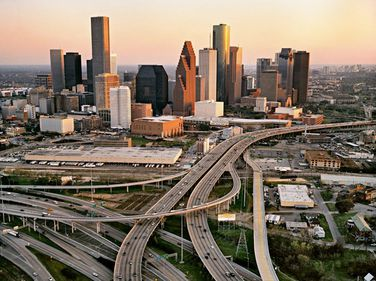 Houston, oraşul american al cărui progres se datorează aurului negru