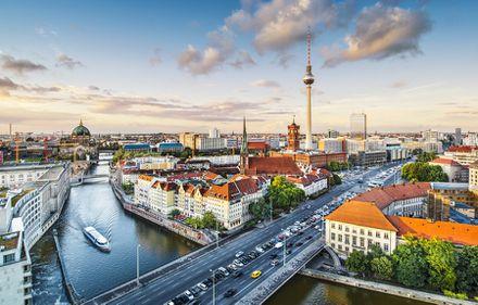 Pentru a nu ajunge la chirii exorbitante, Berlin impune proprietarilor o limită de majorare a prețurilor
