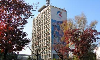 Televiziune, zona unde o proprietate de 4 milioane euro reprezintă o normalitate