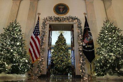 Crăciunul la Casa Albă: decorațiunile Melaniei Trump VS alegerile lui Michele Obama