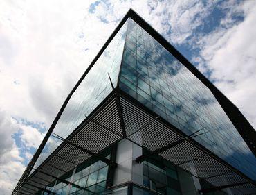 Patriciu a mai încheiat două contracte în Cubic Center, dar are peste jumătate din clădire goală