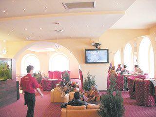 Chiriile mari, preţurile pe măsură şi managementul defectuos au condus la dispariţia a peste 60 de cafenele în trei ani
