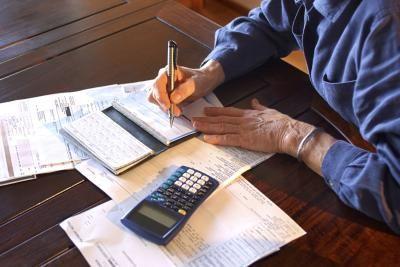 Locuitorii din marile oraşe sunt cei mai tentaţi să semneze credite pe care nu le pot plăti