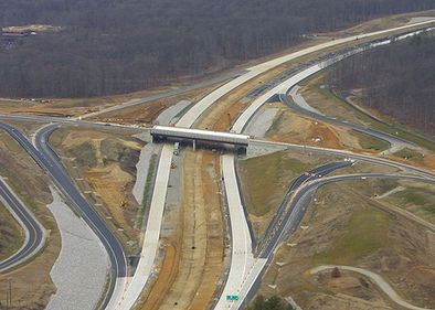 Drumurile pot fi construite mai rapid, cu legi noi. Aşa se apără Ministerul Transporturilor
