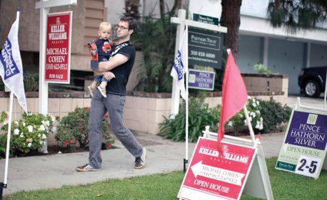 Cum vrea guvernul SUA să salveze piaţa locuinţelor? Prin închirierea proprietăţilor executate silit