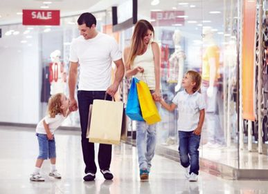 Mallurile prezentului, pe locul trei după casă şi serviciu