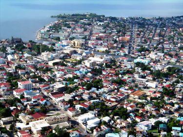 Top 10 – Cele mai dezagreabile mari oraşe turistice