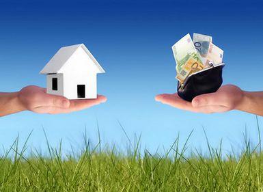 Proprietari înduplecaţi să-şi vândă locuinţa, de către agenţi imobiliari creativi. Află unde!