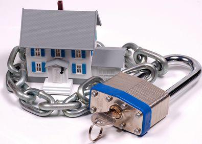 Protecţia împotriva hoţilor începe încă de la construcţia casei