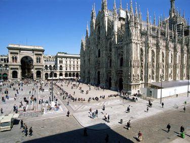Cumpărătorii români influenţează piaţa imobiliară din Italia