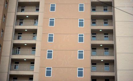 Costuri de construcţie reduse, prin ferestre false pictate (FOTO)