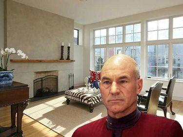 """""""Capitanul Picard"""" are o casa noua, de 2,5 mil euro"""