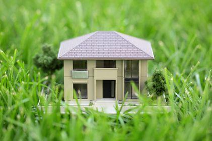 Impozitul pe terenul de sub locuință – un abuz permis de lege
