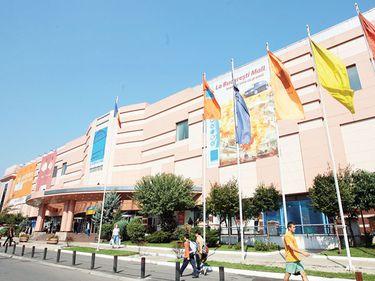 Chiriile în malluri şi spaţii comerciale stradale din Bucureşti, mai mari ca în Sofia, mai mici ca în Belgrad