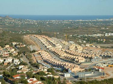 Piaţa locuinţelor din Spania s-a prăbuşit cu 40,8% în trimestrul doi din 2011