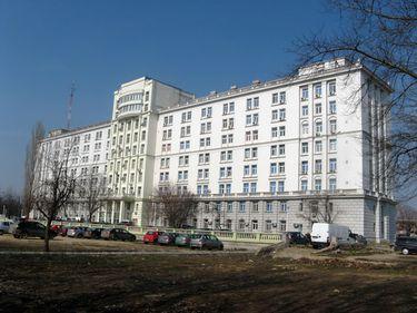 În Fundeni, chinezii construiesc orice pentru români, de la centre comerciale până la locuinţe