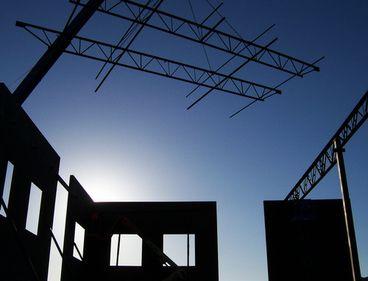 INS: luna martie, marcată de o creştere puternică a volumului lucrărilor de construcţii
