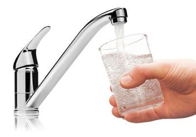 Apa potabilă - otrava din casele românilor, amendată de UE cu 10.000 de euro/zi
