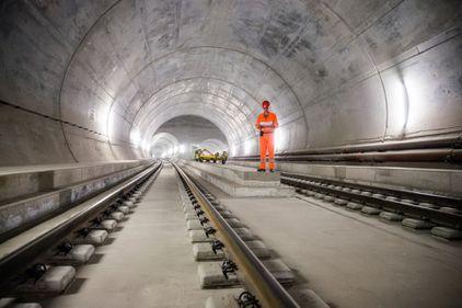 Cel mai lung și mai scump tunel feroviar din lume: Gotthard, triumful ingineresc al Elveției (FOTO)