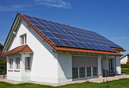 """Programul """"Casa Verde"""": 20.000 de lei/gospodărie pentru instalarea panourilor fotovoltaice"""