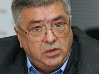 Va avea Bucureştiul un aeroport nou din 2015? Nelu Iordache vrea să aducă 200 mil. euro la Adunaţii Copăceni pentru un aeroport cu 10 decolări şi aterizări pe oră