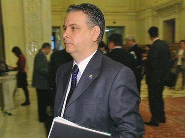 Elena Udrea, înlocuită. Noul ministru are afaceri de peste un milion de euro cu MDRT