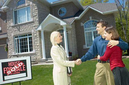 Specialiştii imobiliari străini trag un semnal de alarmă. Piaţa imobiliară din România are nevoie de legislaţie