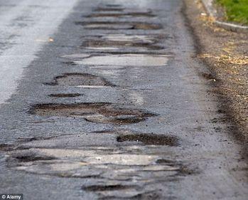 România - de râsul lumii, din cauza infrastructurii. Drumurile noastre sunt mai proaste decât cele din lumea a treia