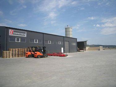 Symmetrica a deschis o nouă fabrică de borduri, după investiţii de 2 mil. euro