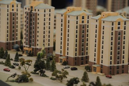 Investitorii imobiliari, obligaţi să construiască locuinţe ieftine