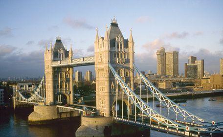 Decăderea unui monstru sacru: Londra, prea coruptă pentru afaceri sigure