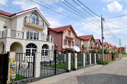 Apartamente cu două camere, la 31.000 euro şi loc de parcare inclus. Unde se găsesc asemenea oferte?