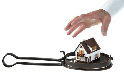 Falimentul imobiliar amenință iar România, avertizează Coface