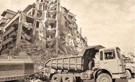 Un seism ca-n '77 ar lovi un milion de locuinţe