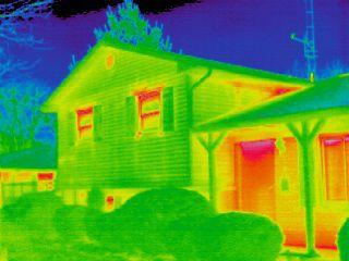 Tranzacţiile imobiliare din acest an încheiate fără certificat energetic vor fi anulate