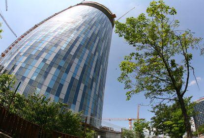 Piaţa imobiliară văzută din cea mai înaltă clădire a României