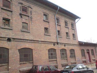 Locuinţe noi pentru tineri în fabrici părăsite şi hale industriale