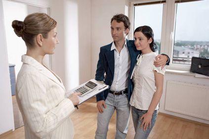 Piaţa imobiliară nu-şi va reveni nici în 2011