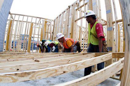 Creştere în construcţii: numărul autorizaţiilor de construire a urcat cu peste 6%