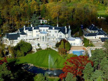 Kate Moss, George Michael, Pink şi Jude Law au case noi