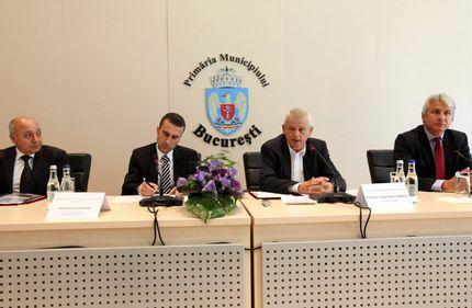Primarul Oprescu a semnat contractul de execuţie pentru Pasajul de la Piaţa Sudului