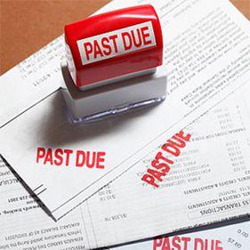 Numărul restanțierilor bancari, din nou în creștere. Ce riscă cei care nu își plătesc ratele la timp?